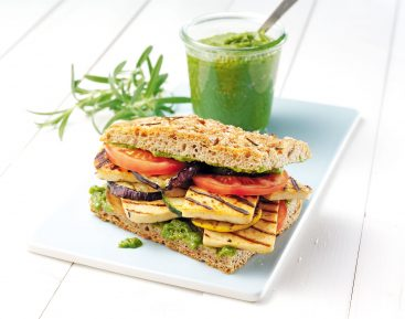 foccacia-med-grillede-groentsager-og-chiliost-3