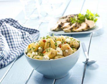 Marinerede-kartofler-med-karse-og-salatost