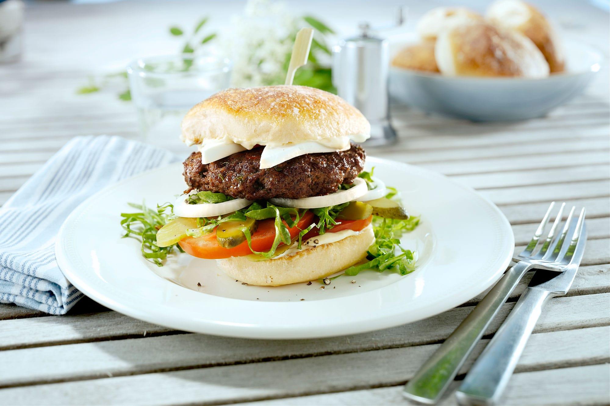 Middelhavs-cheeseburger