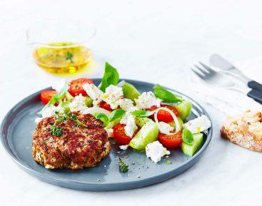 Græske bøffer med tomatsalat